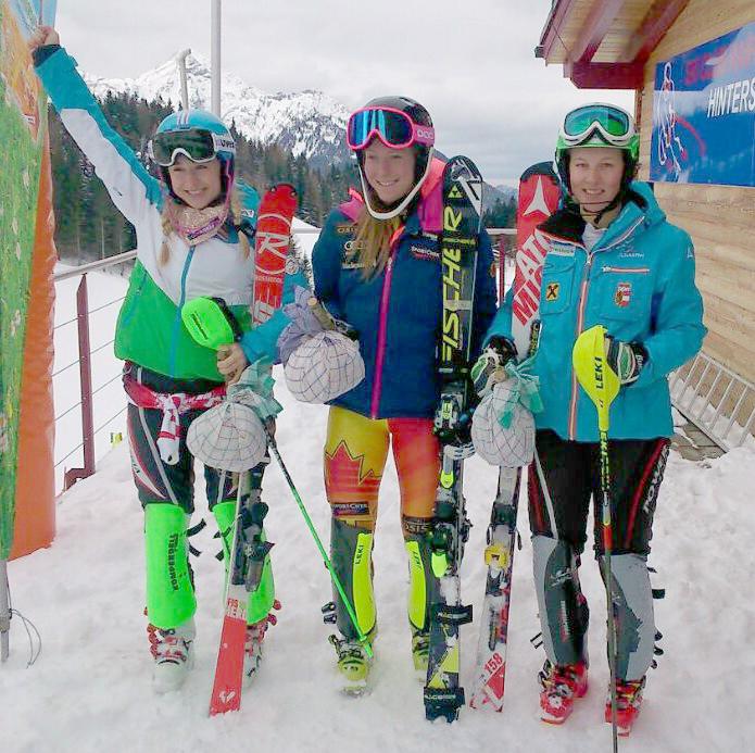 Stephanie Resch freut sich über den 2. Platz in Hinterstoder